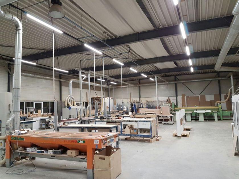 TTLed lijnverlichting in werkplaats